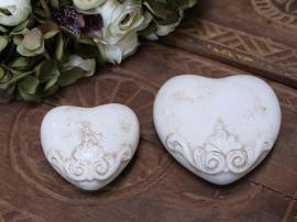 Marcy Heart H4 / L11.5 / W11.5 cm antikk krem 1st , hemmetshjarta.no