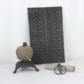 Metalldekorasjon Lily - mørk vintage , hemmetshjarta.no